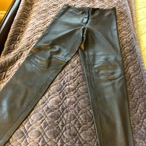 Leather pants.100%
